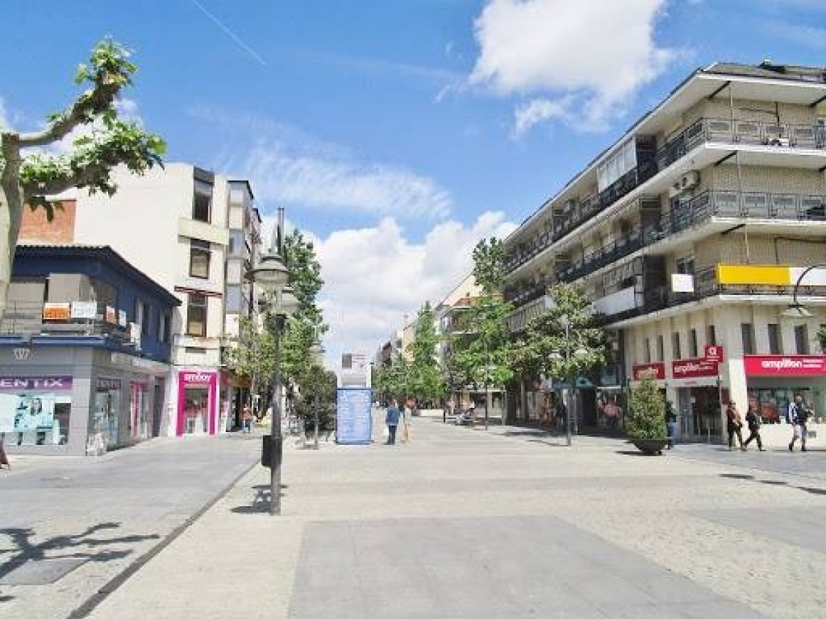 local-comercial en majadahonda · casco-antiguo 2300€