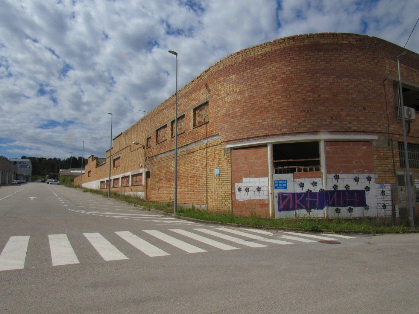 nave-industrial en artes · artes 1488000€