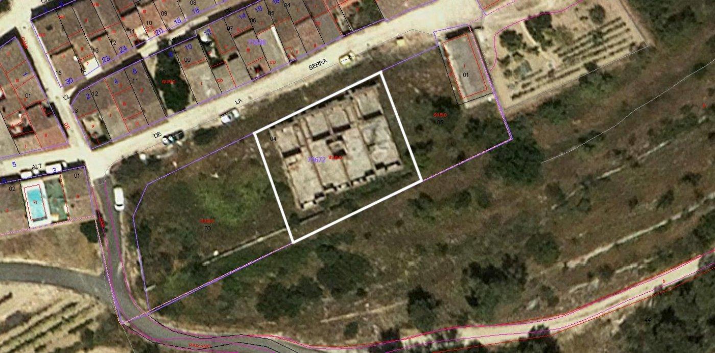 terreno-urbano en la-torre-de-claramunt · la-serra 29000€