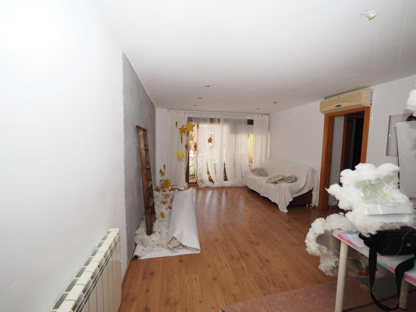 piso en barbera-del-valles · centre 155000€