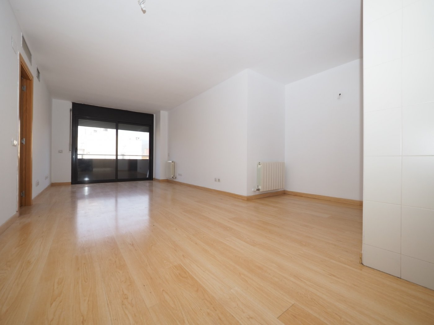 piso en montcada-i-reixac · centro 163900€