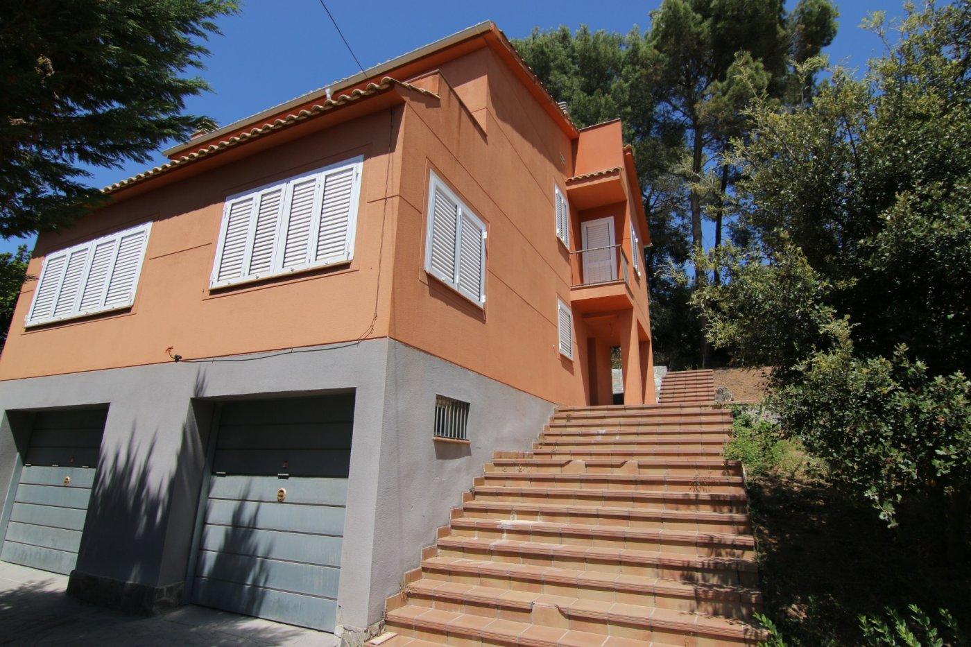 casa en l-ametlla-del-valles · el-serrat-de-l`ametlla 260000€