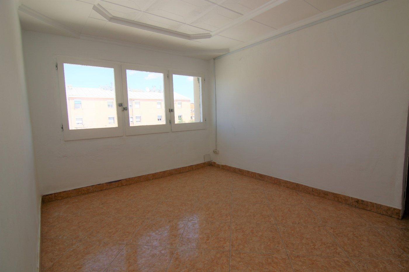 piso en terrassa · ca-n-anglada 94900€
