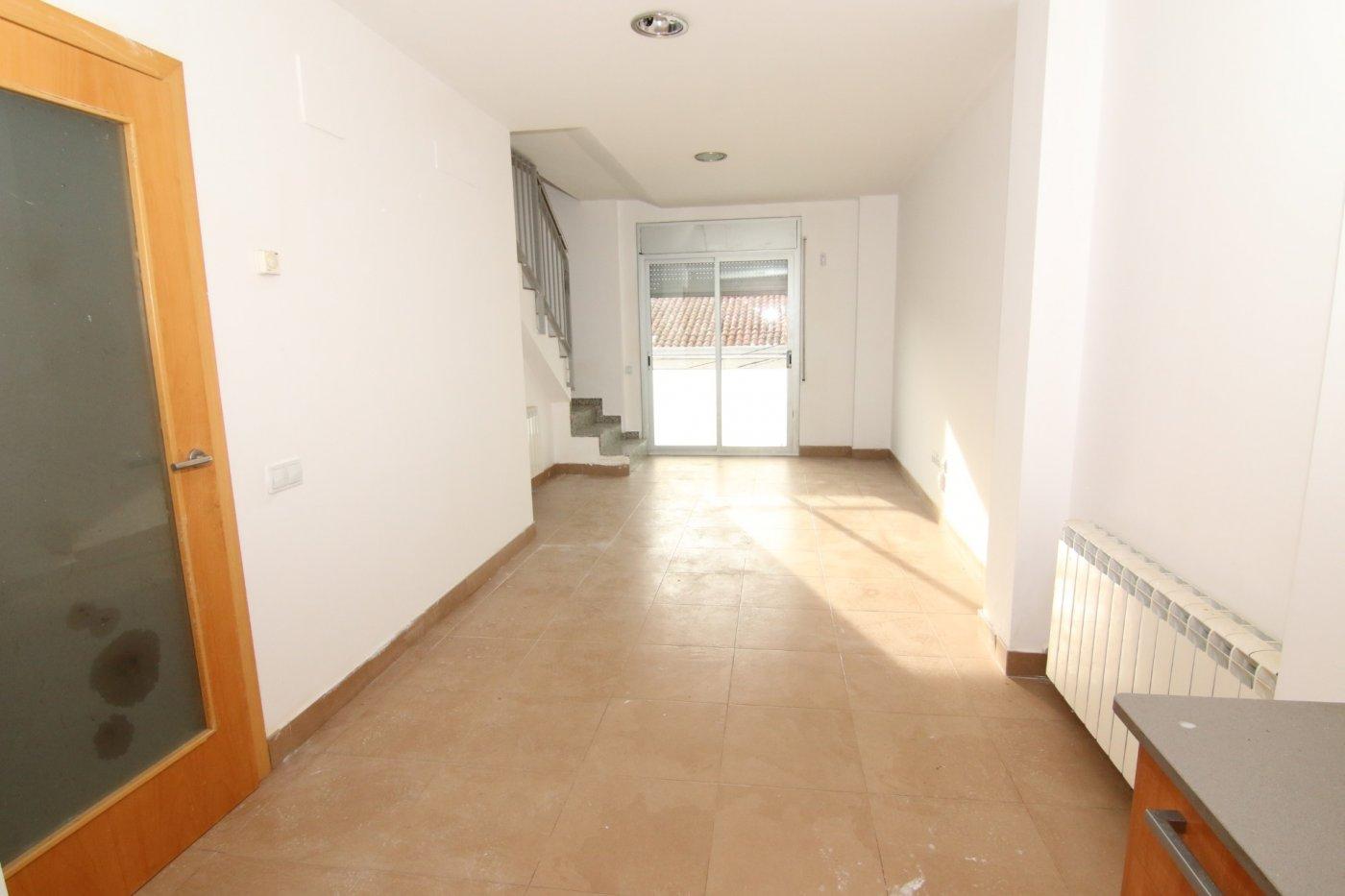 duplex en terrassa · poble-nou 98000€