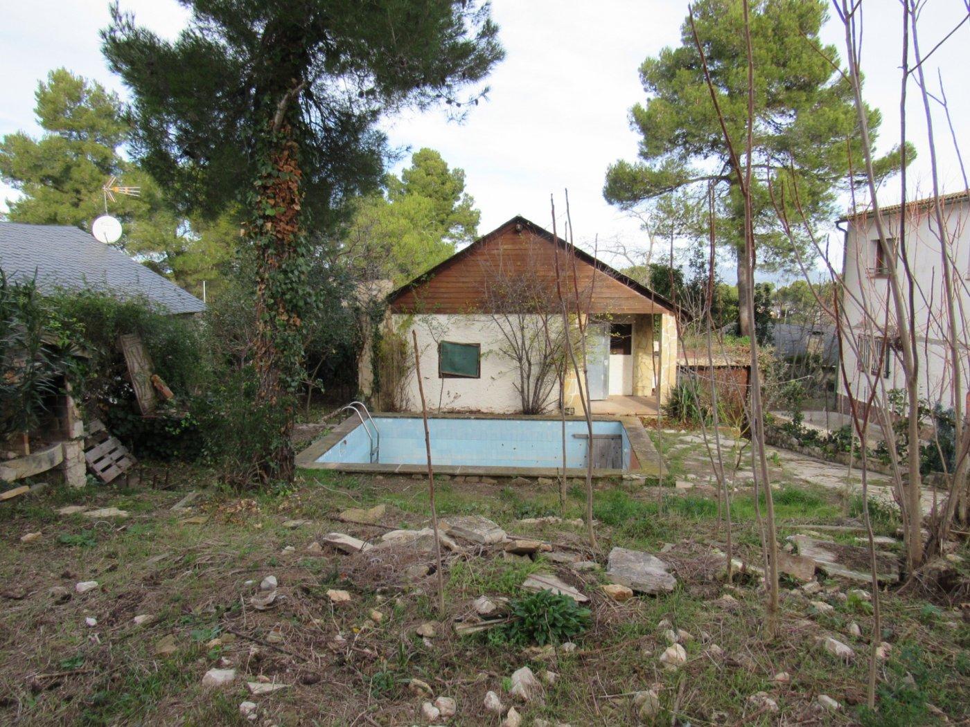 casa en la-torre-de-claramunt · les-pinedes-dr´armengol 65000€