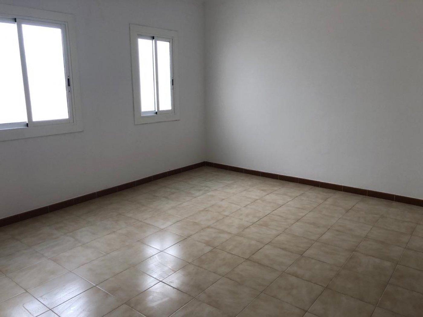 piso en premia-de-mar · zona-alta 99900€