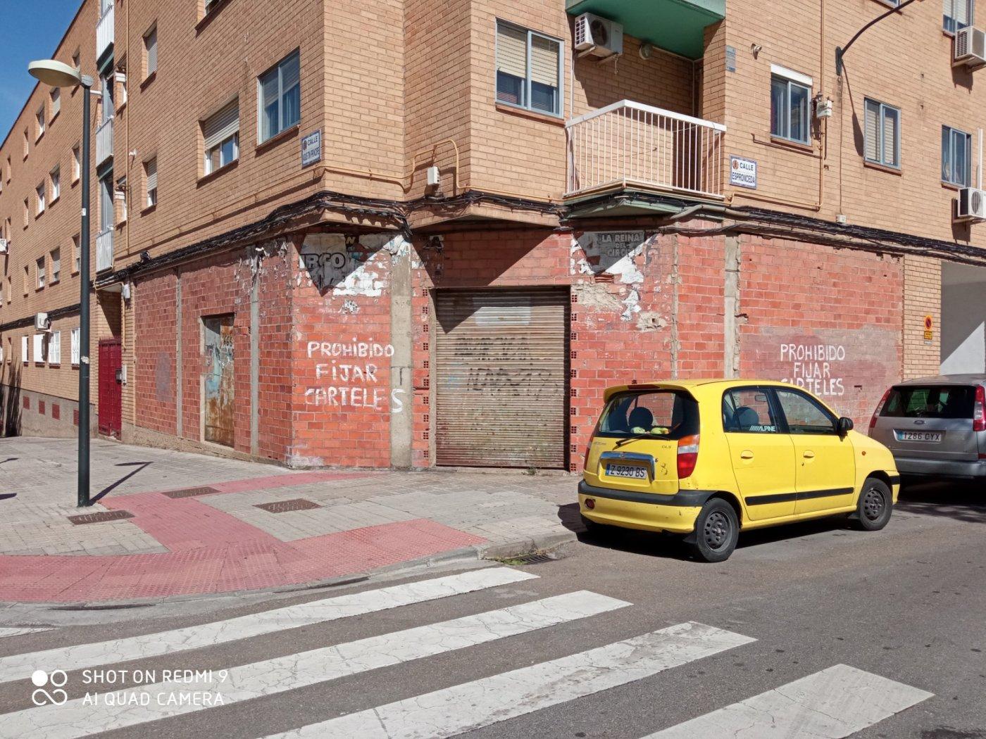 local-comercial en zaragoza · oliver 60000€
