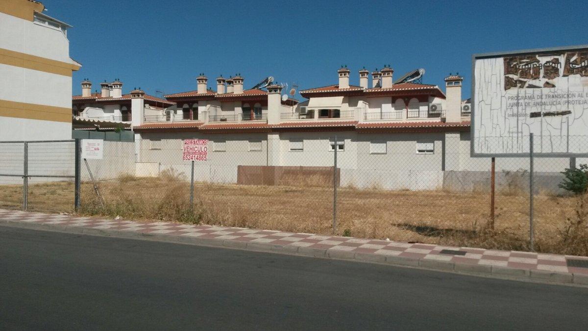 terreno-urbano en cajar · via-del-tranvia 210000€
