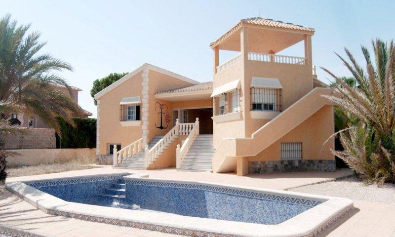 Villa for sale in VENECIOLA, La Manga del Mar Menor