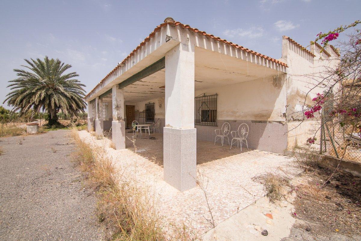 casa-con-terreno en elche · elche 99900€