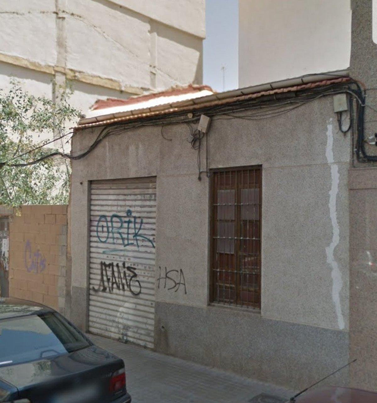casa-solar en elche · asilo---pisos-azules 49900€