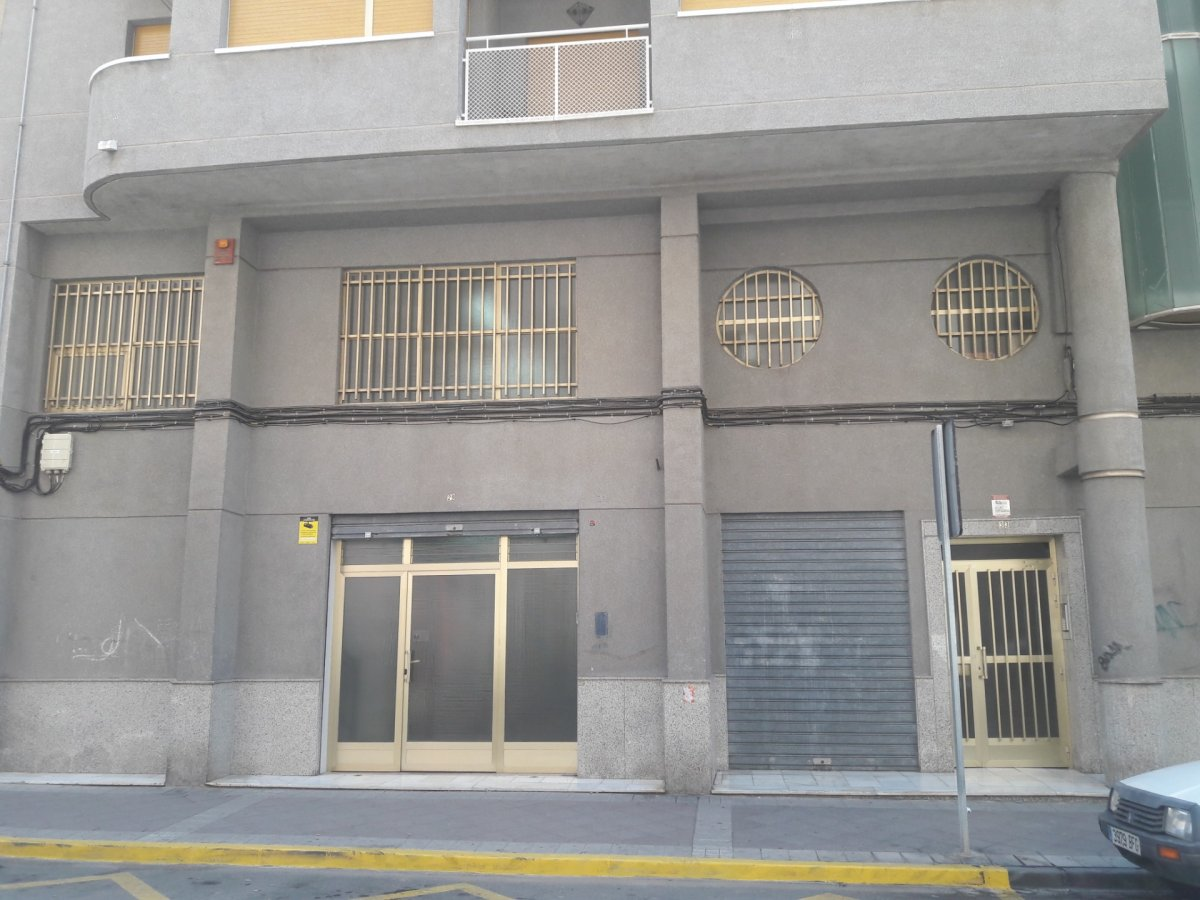 local-comercial en elche · plaza-madrid 1800€