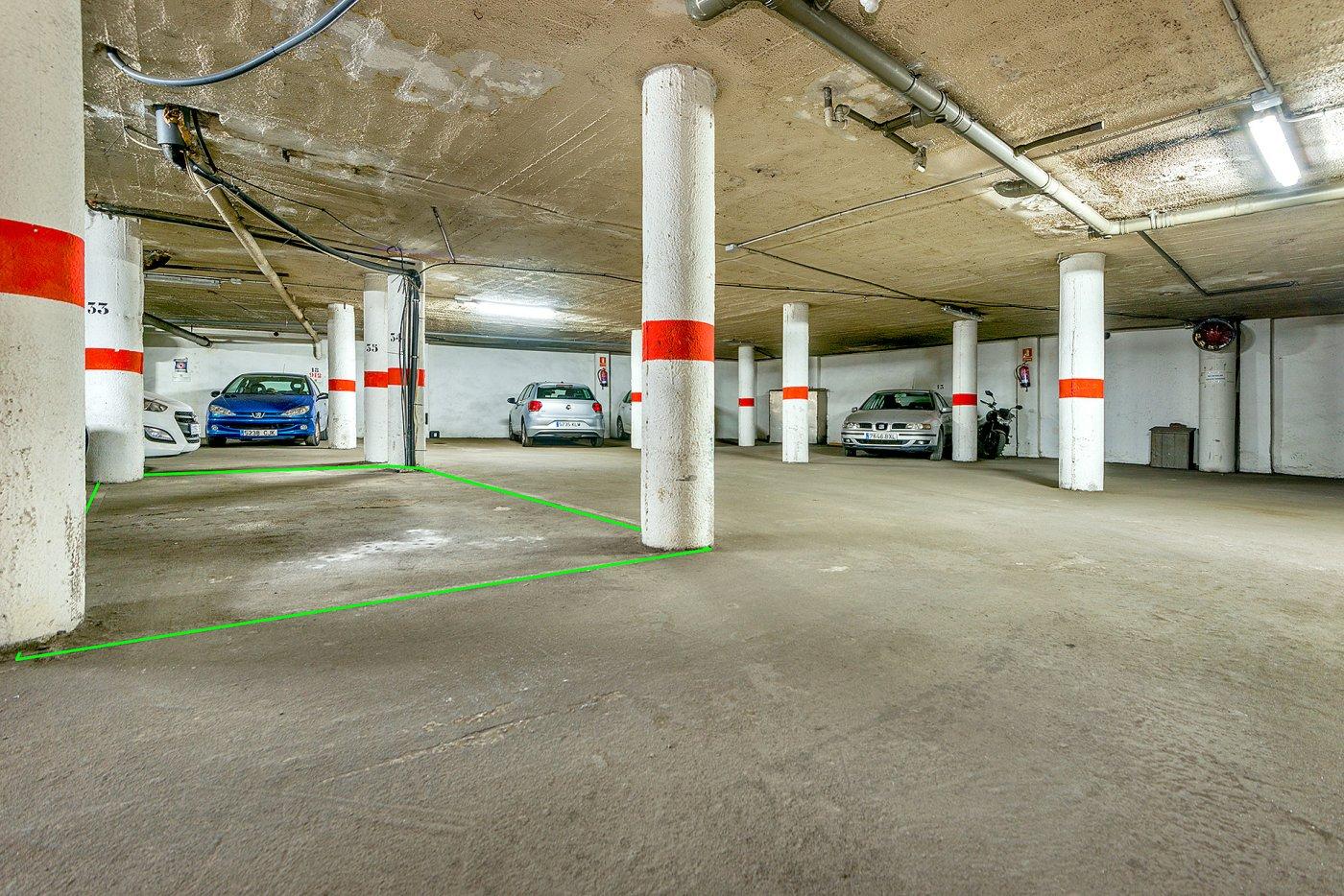 Parking de grandes dimensiones zona Pere Garau!