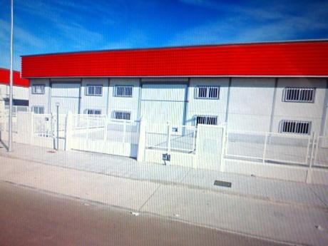 Nave industrial en venta en Badajoz