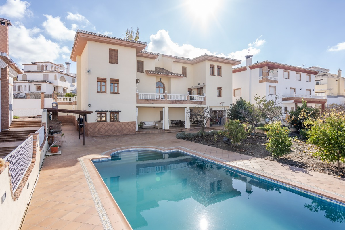 Casa en venta en Monachil