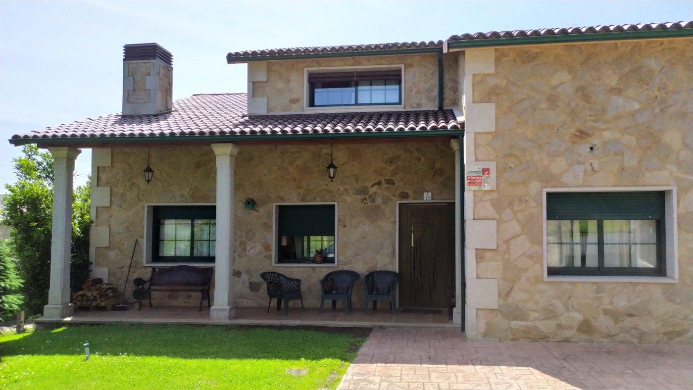 Casa con terreno en venta en Vedra