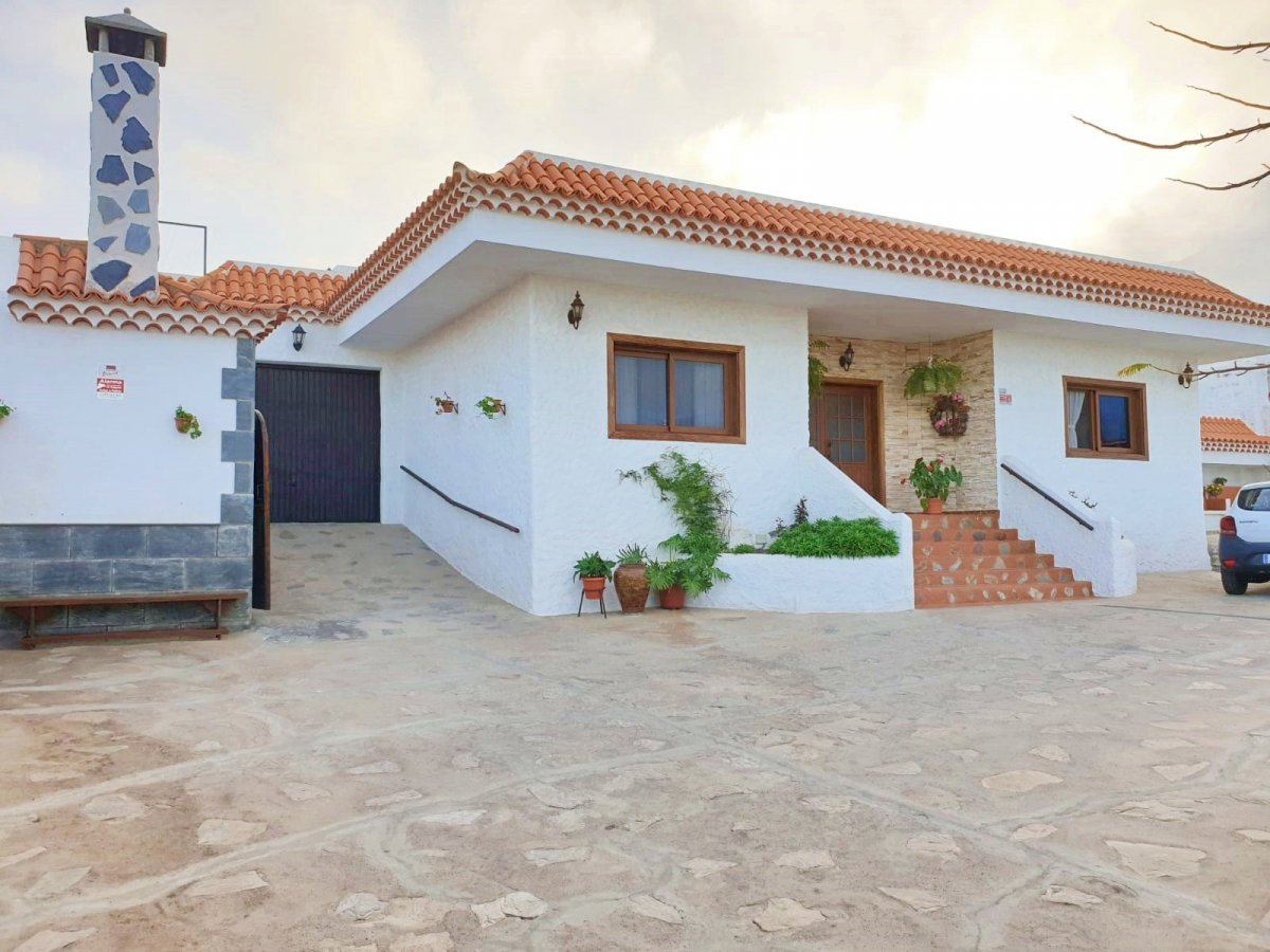 Casa en venta en La Hidalga, Arafo