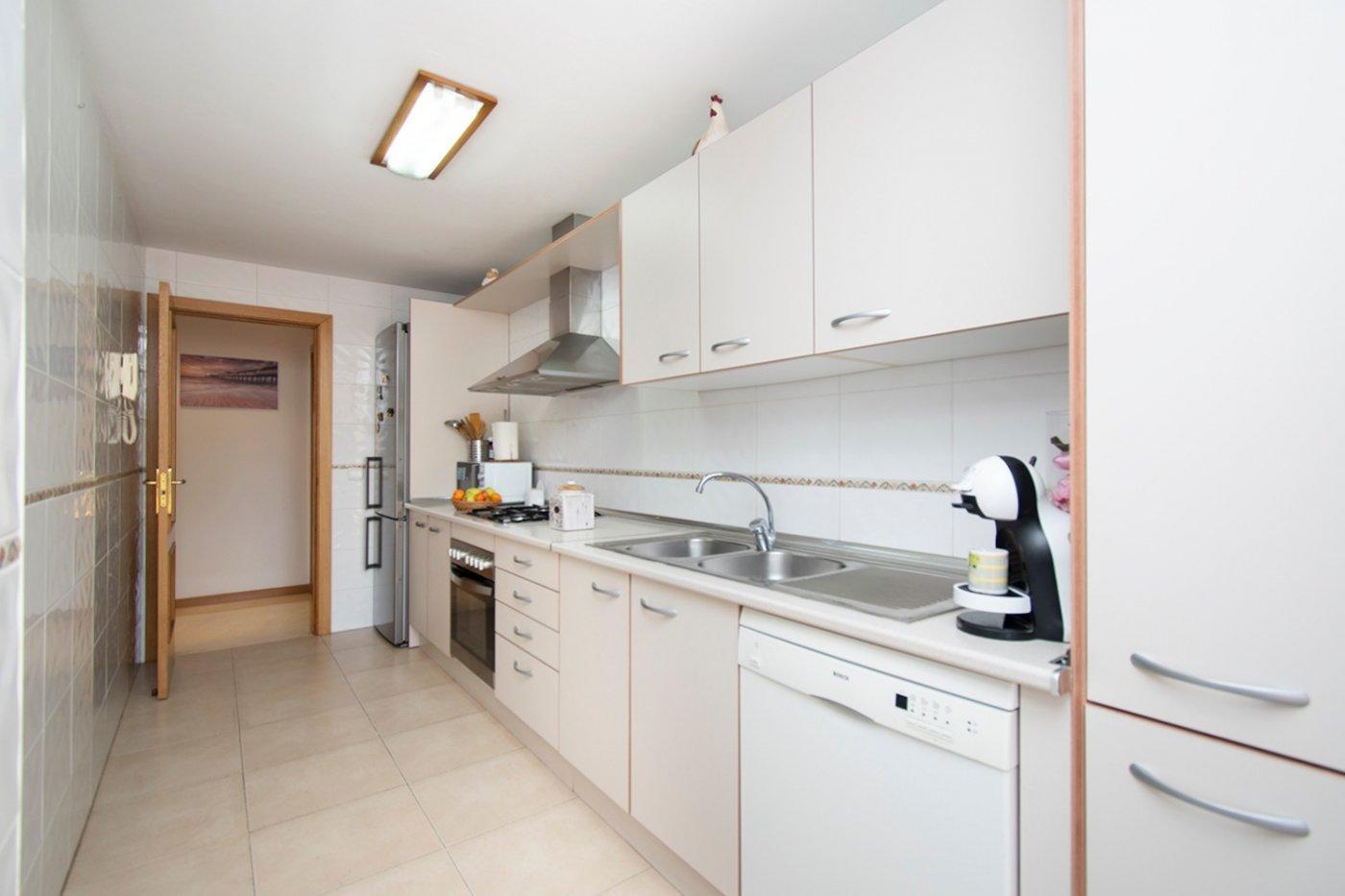 Planta baja de 2 habitaciones, terraza, parking, trastero y zonas comunitarias en son moix - imagenInmueble3