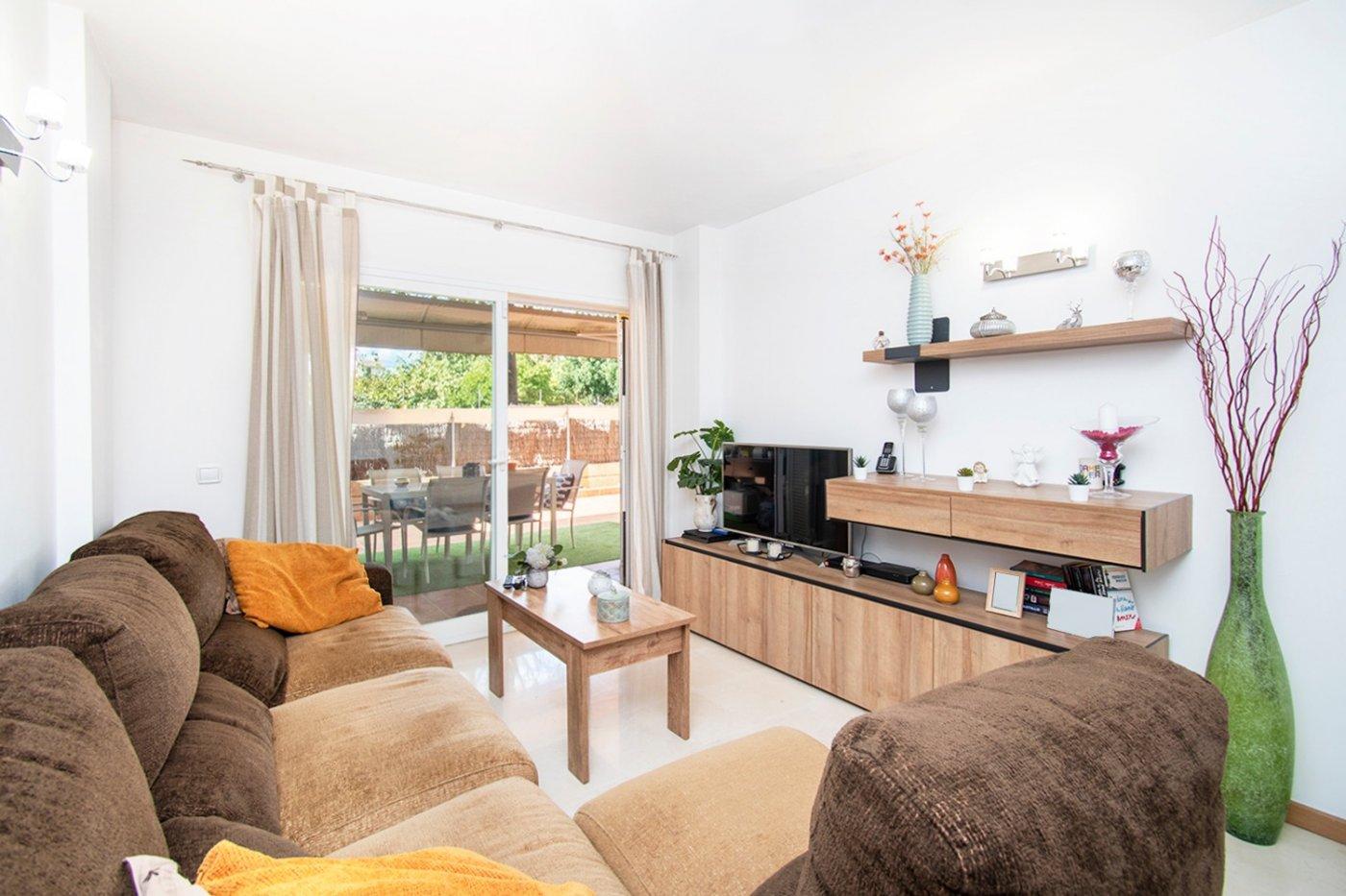 Planta baja de 2 habitaciones, terraza, parking, trastero y zonas comunitarias en son moix - imagenInmueble4