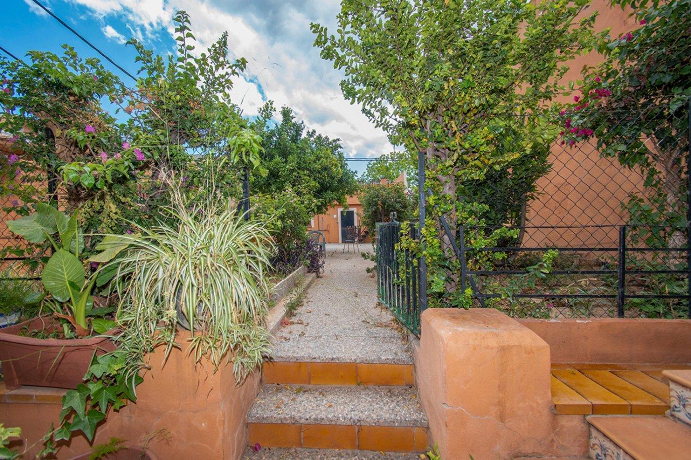 Casa unifamilair con garaje, jardÍn y terraza en la vileta. - imagenInmueble27