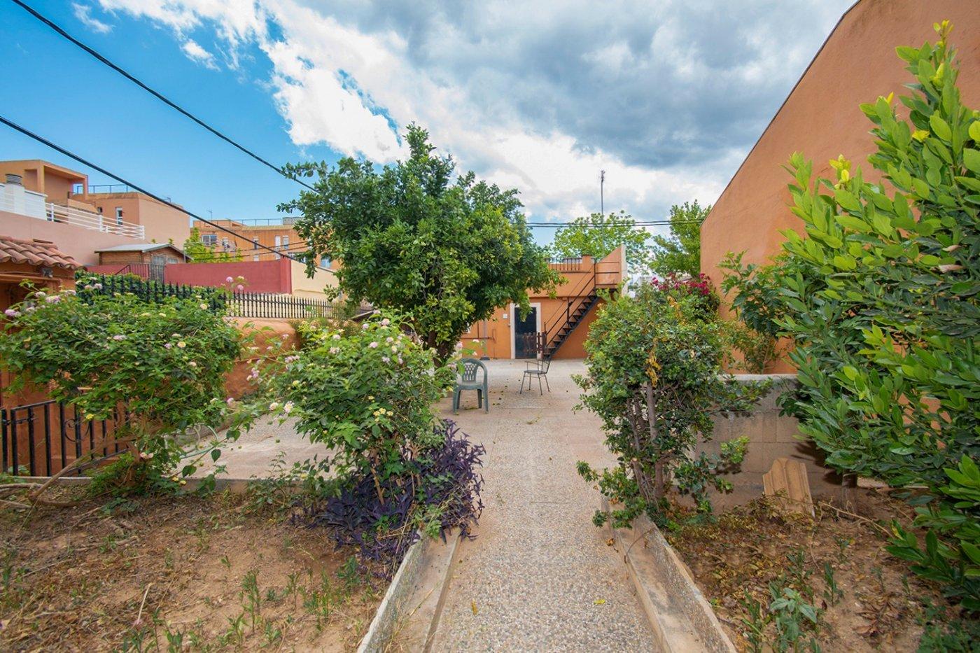 Casa unifamilair con garaje, jardÍn y terraza en la vileta. - imagenInmueble2