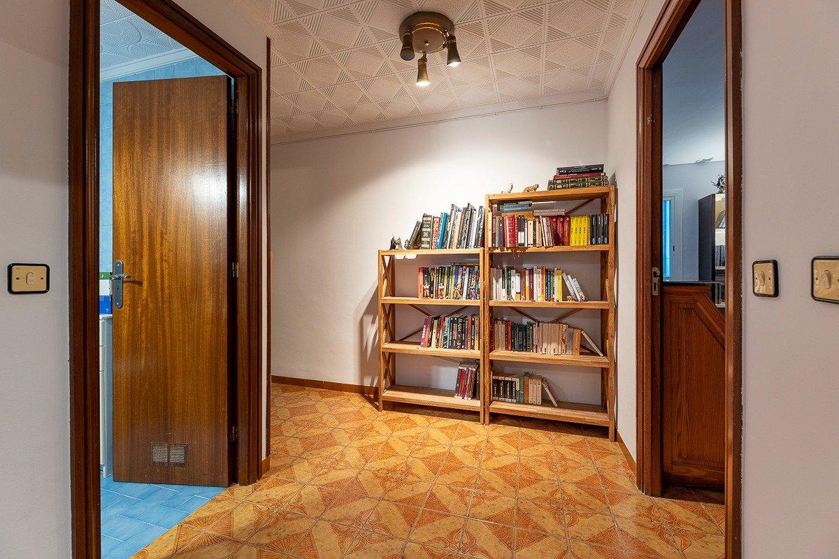 Amplio piso de 3 dormitorios, un baÑo, un aseo y terraza. finca con ascensor - imagenInmueble13