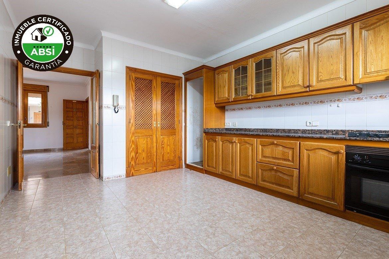 Planta baja y sala adicional de 95 m² con patio de 160 m² - imagenInmueble0
