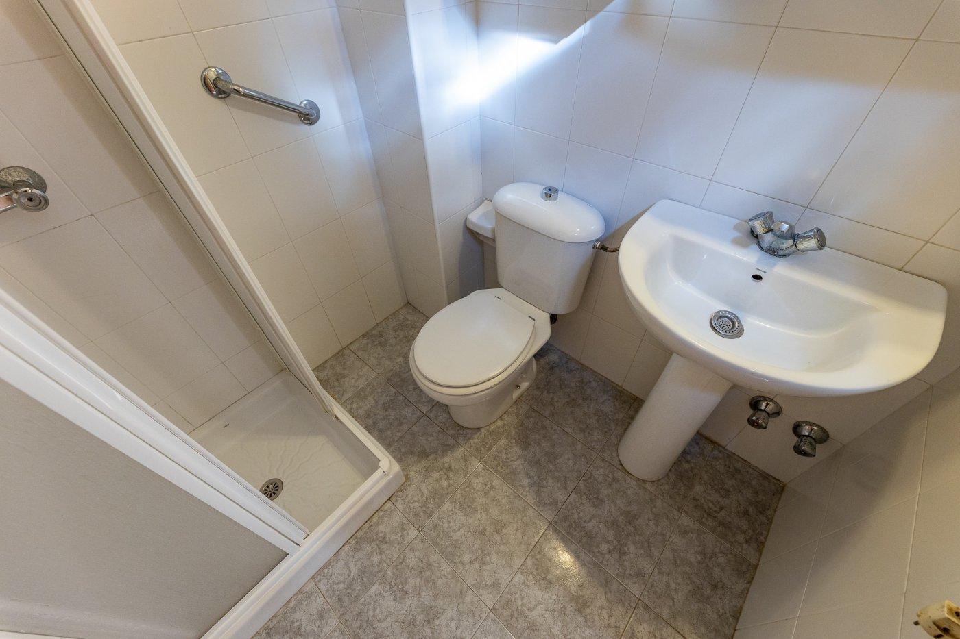 Planta baja y sala adicional de 95 m² con patio de 160 m² - imagenInmueble9