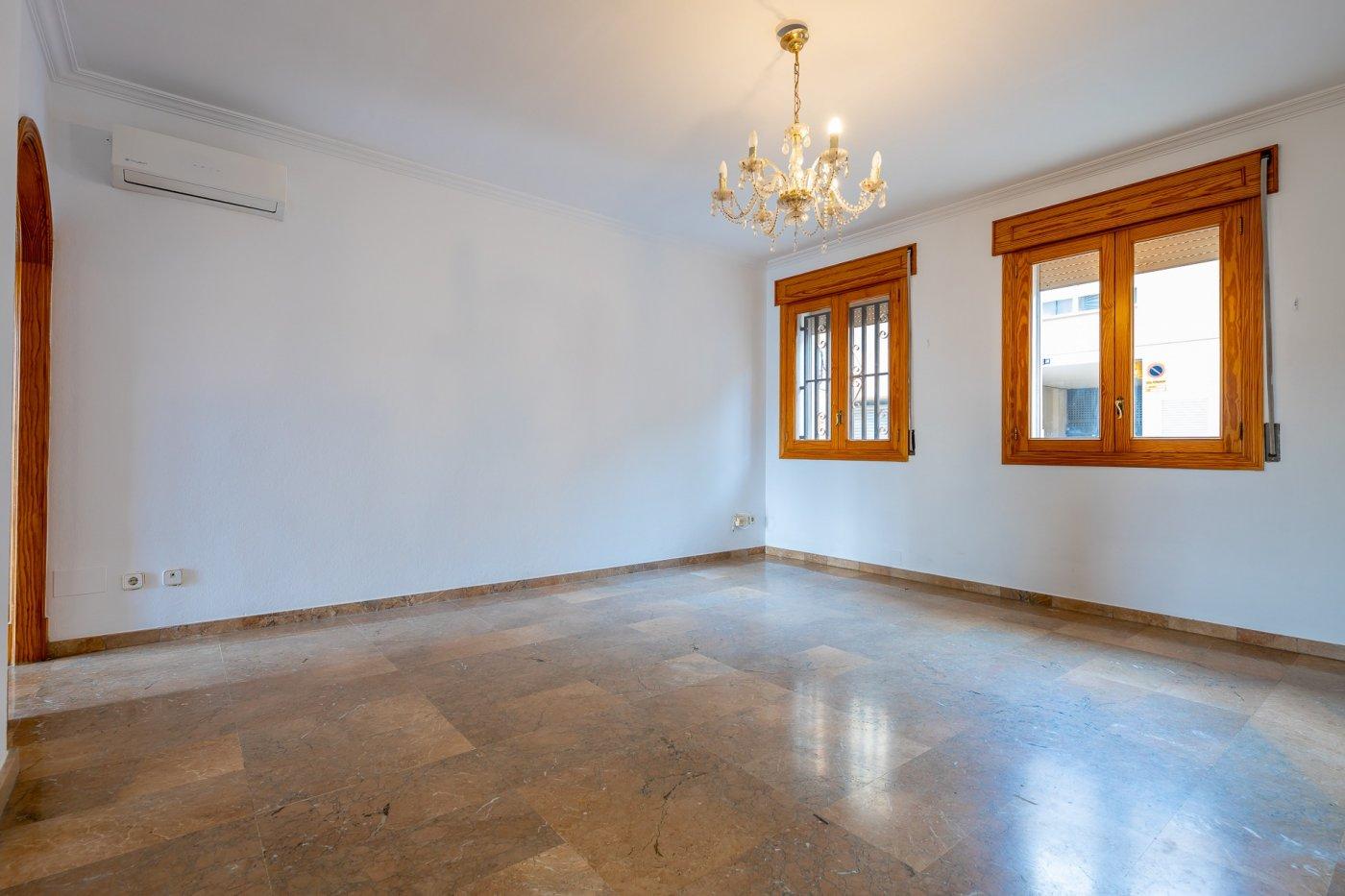 Planta baja y sala adicional de 95 m² con patio de 160 m² - imagenInmueble16
