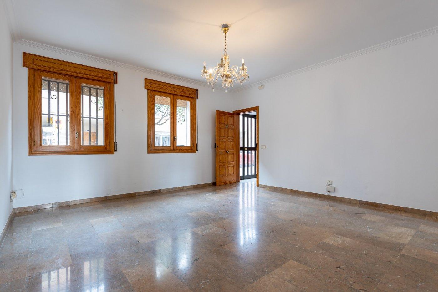 Planta baja y sala adicional de 95 m² con patio de 160 m² - imagenInmueble17