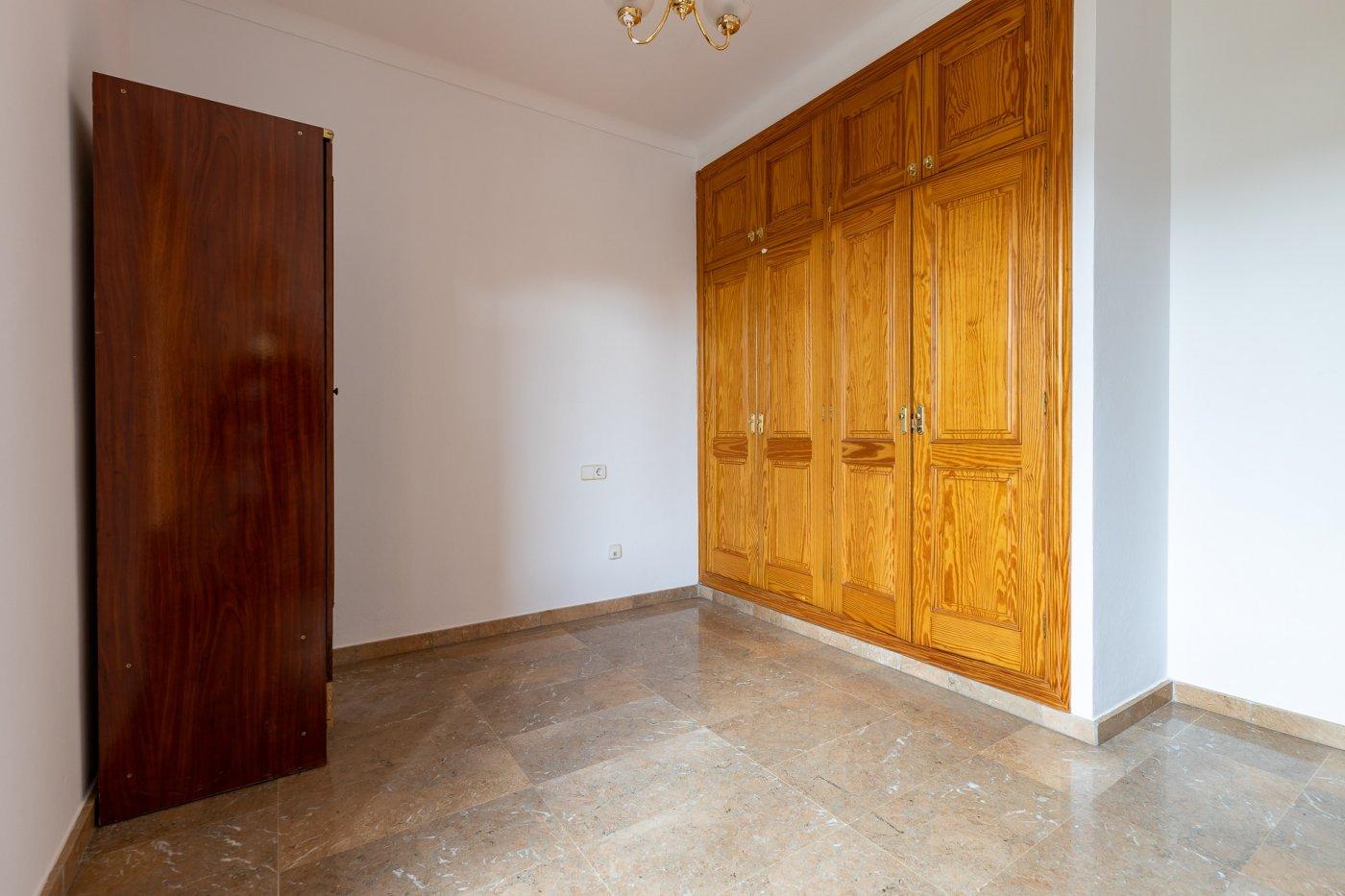 Planta baja y sala adicional de 95 m² con patio de 160 m² - imagenInmueble4