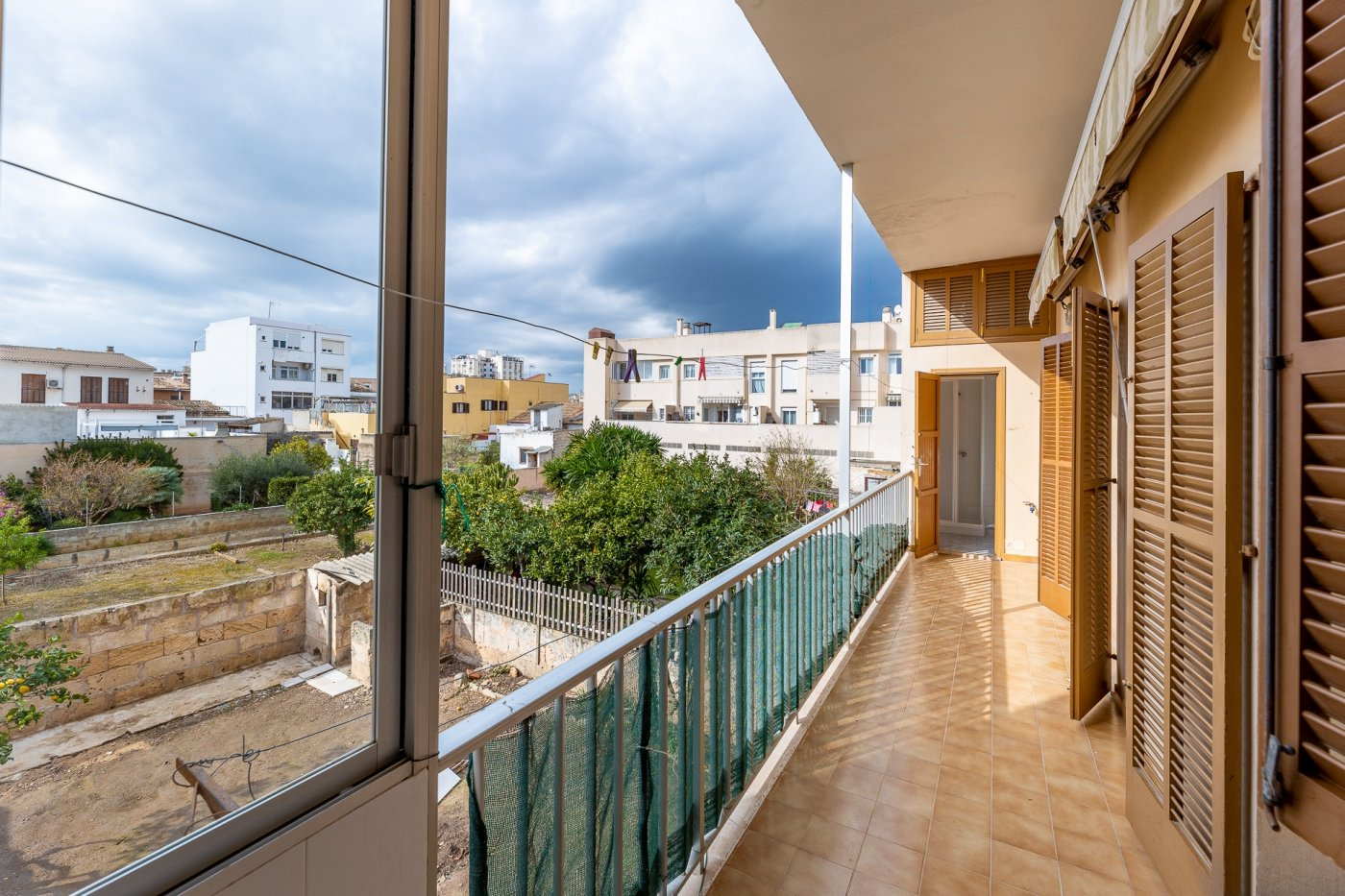 Planta baja y sala adicional de 95 m² con patio de 160 m² - imagenInmueble8