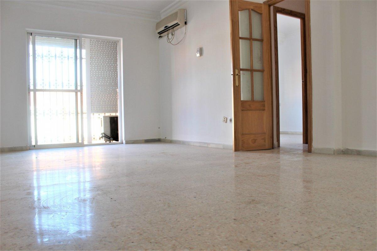 piso en alcala-de-guadaira · ambulatorio-viejo 0€