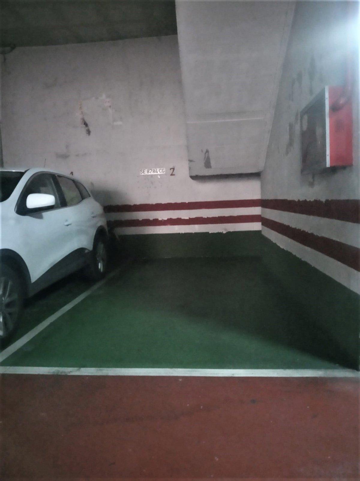 garaje en alcala-de-guadaira · centro 14300€