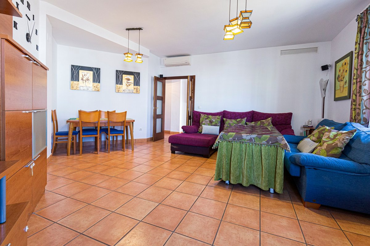 casa en alcala-de-guadaira · santa-lucia 600€