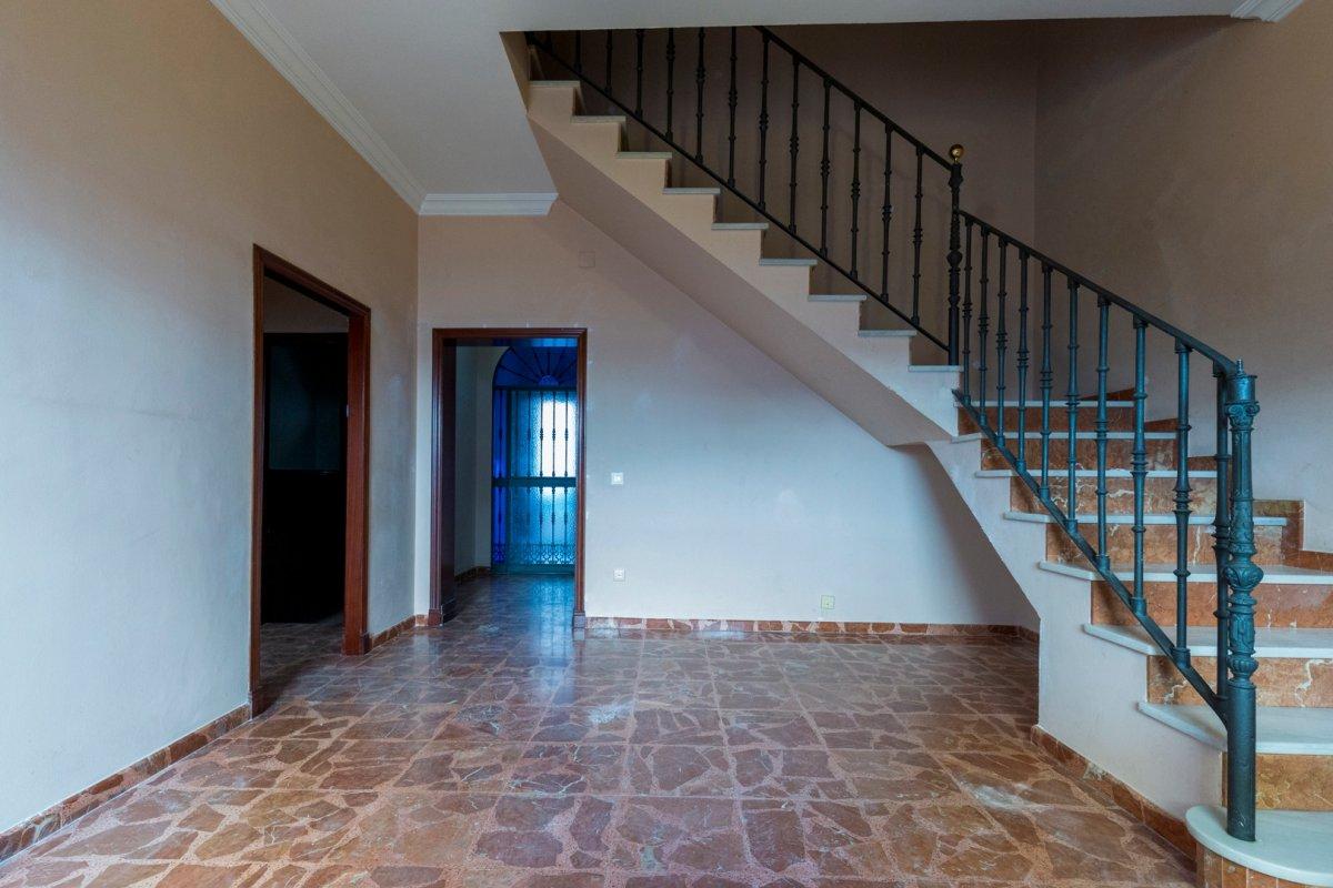 casa en alcala-de-guadaira · centro 228900€