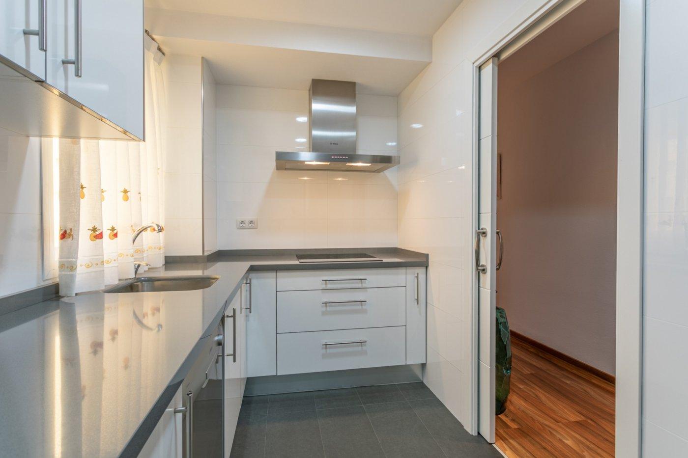 piso en alcala-de-guadaira · santa-lucia 94900€