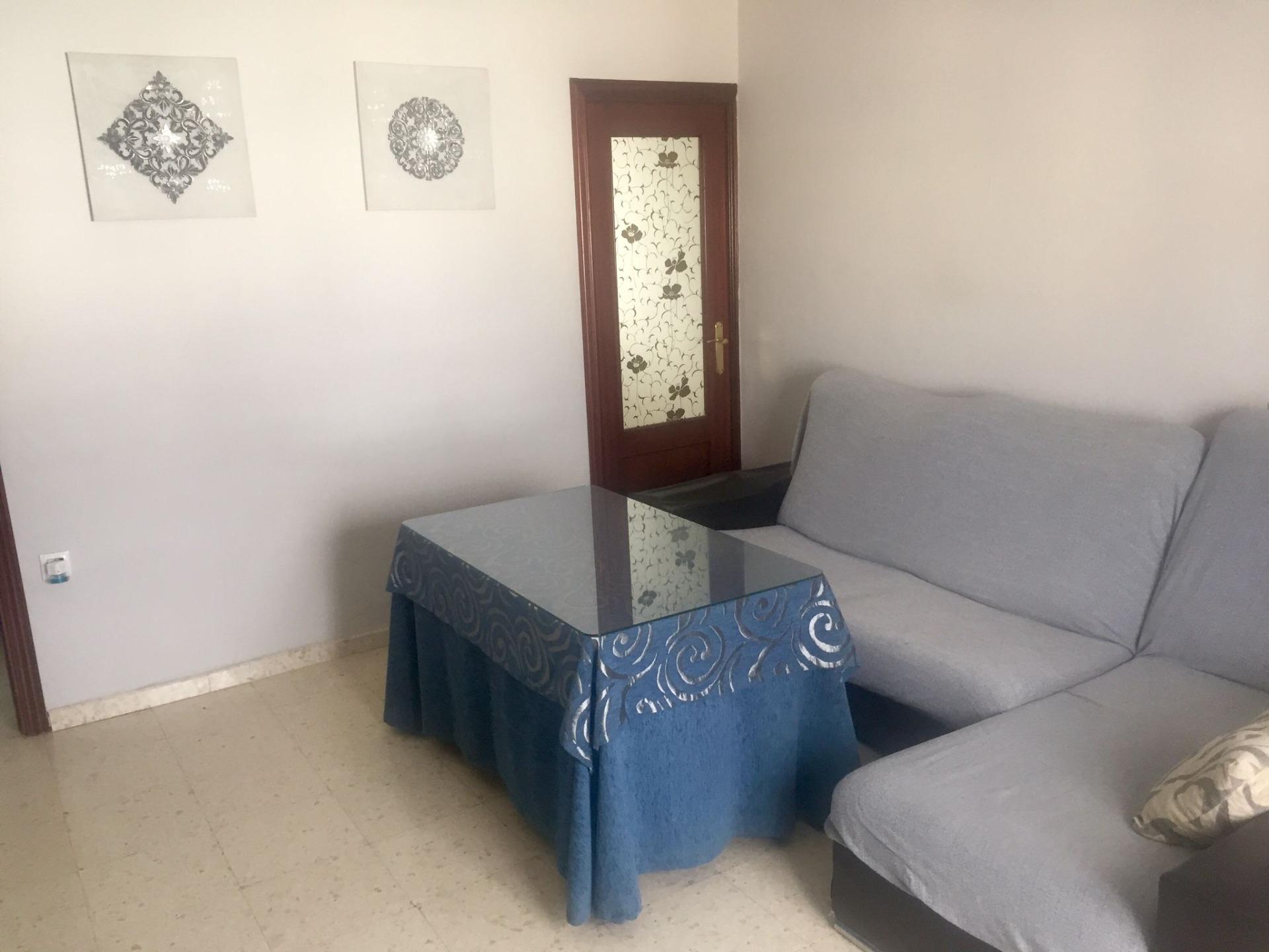 Piso · Alcala De Guadaira · Ambulatorio Viejo 450€ MES€