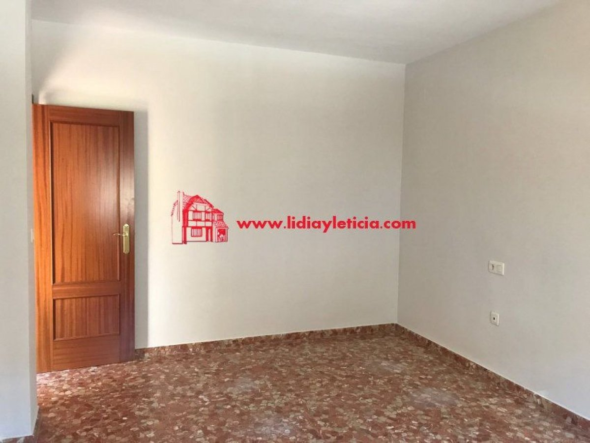 casa en alcala-de-guadaira · nueva-alcala 151000€