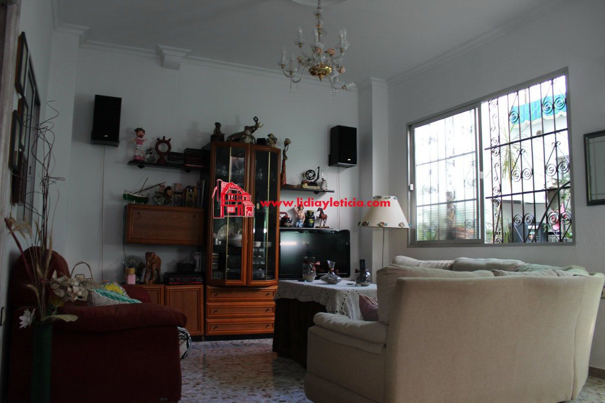casa en alcala-de-guadaira · santa-lucia 150000€