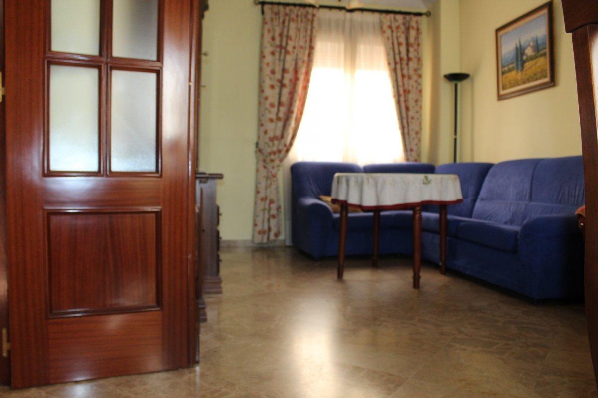 casa en alcala-de-guadaira · centro 600€
