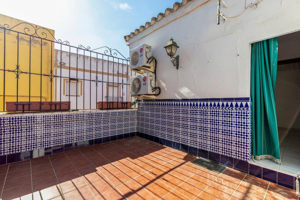 casa en alcala-de-guadaira · pablo-vi 90000€