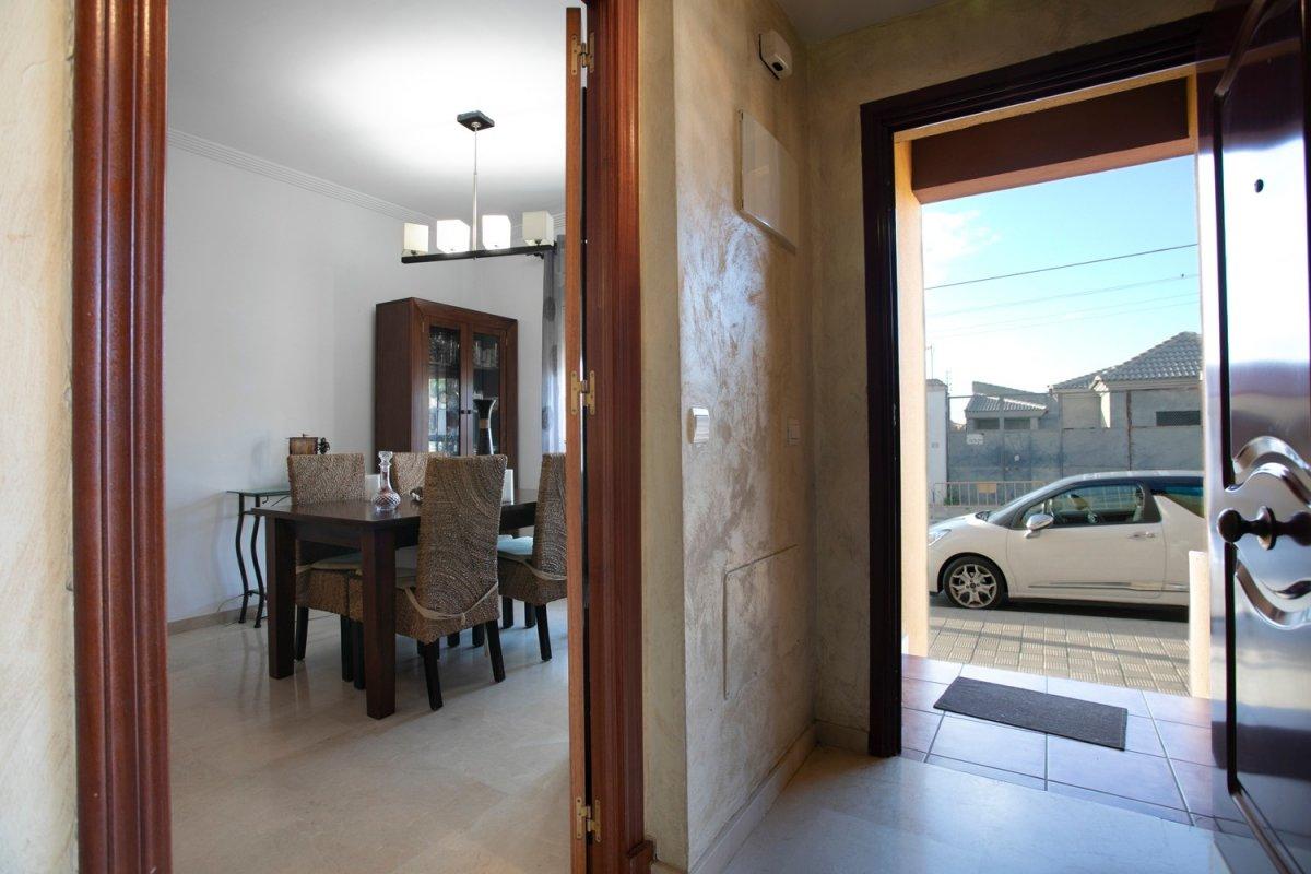 casa en alcala-de-guadaira · santa-lucia 142000€