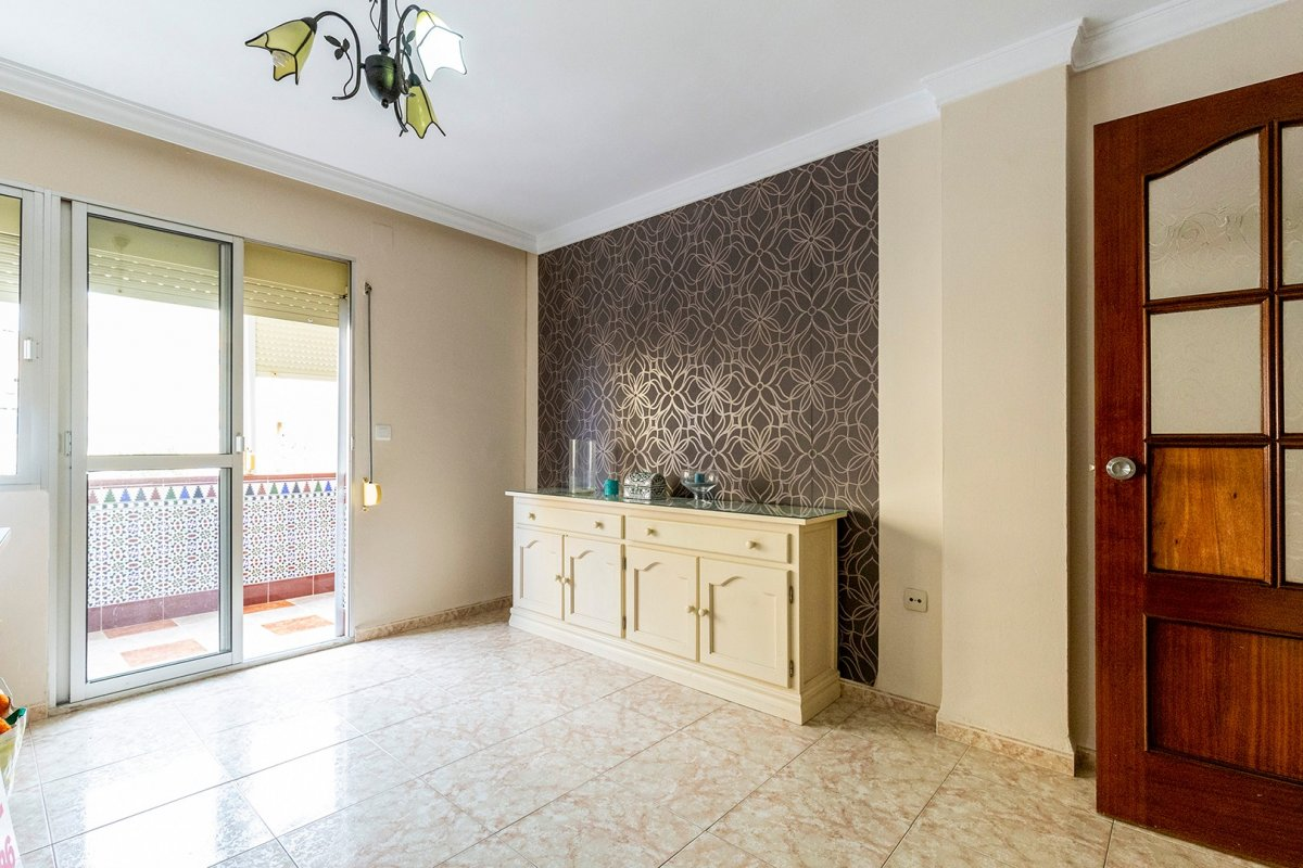piso en alcala-de-guadaira · instituto 65000€