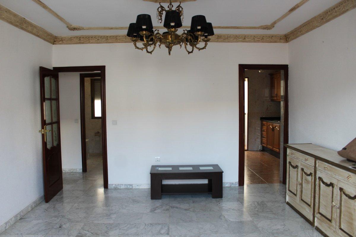 piso en alcala-de-guadaira · ambulatorio-viejo 450€