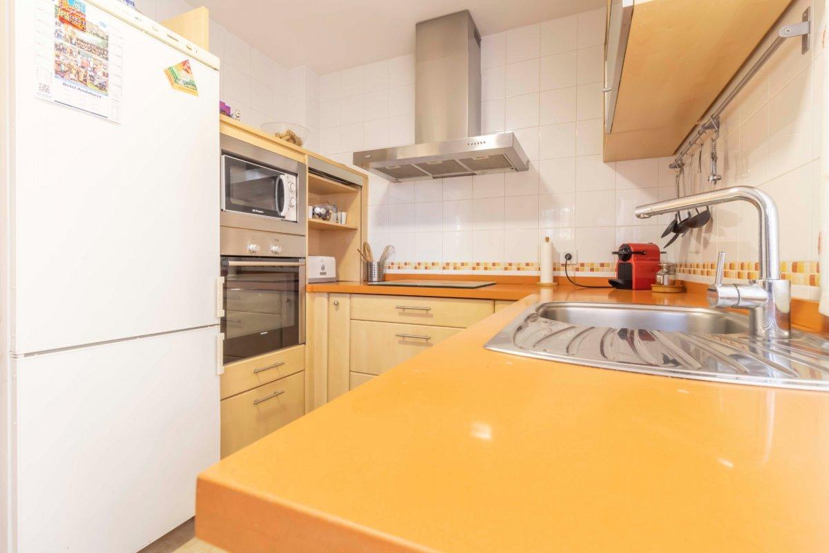 Casa adosada en urbanizaciÓn privada a la venta en valencina de la concepciÓn - imagenInmueble11