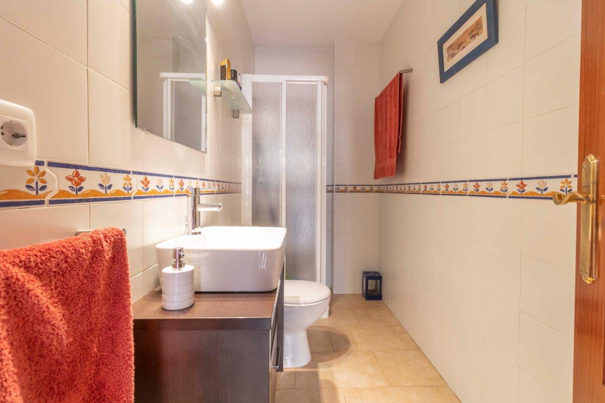 Casa adosada en urbanizaciÓn privada a la venta en valencina de la concepciÓn - imagenInmueble16