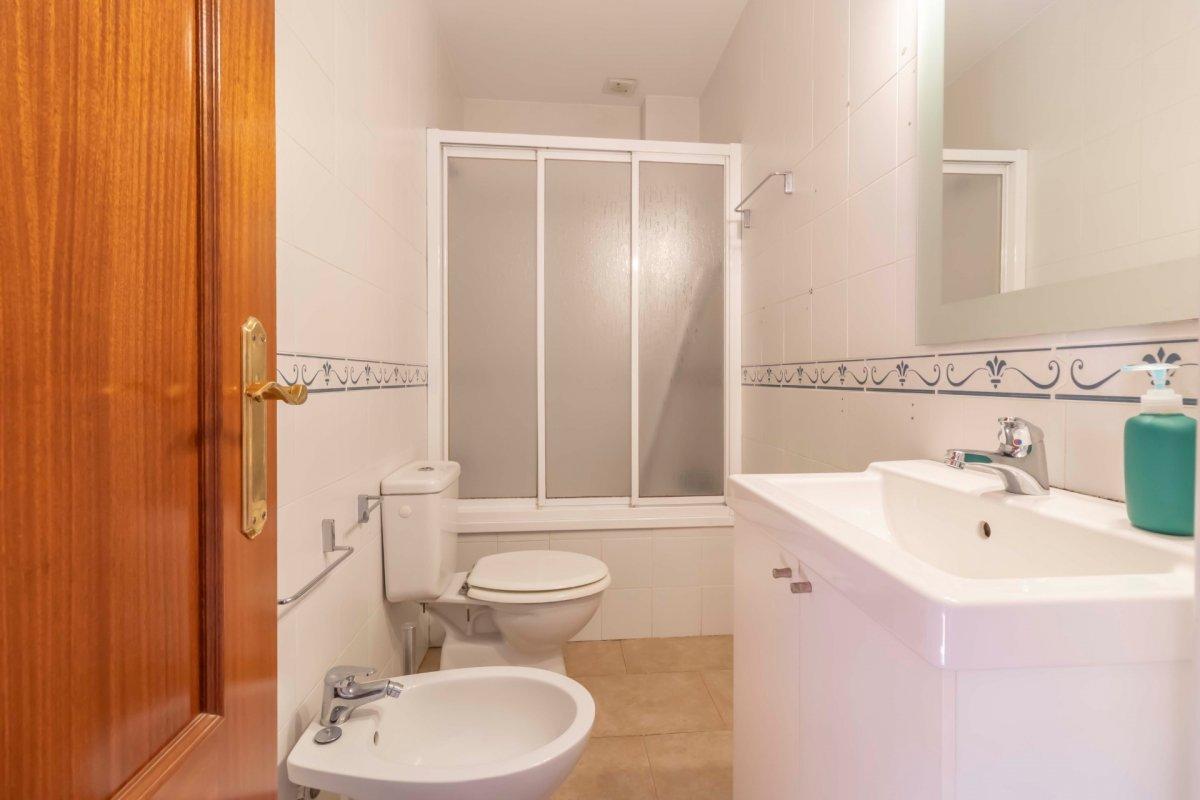 Casa adosada en urbanizaciÓn privada a la venta en valencina de la concepciÓn - imagenInmueble17