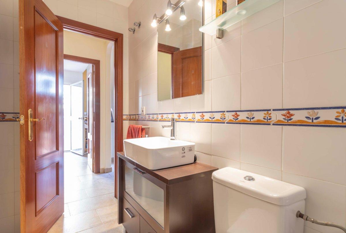 Casa adosada en urbanizaciÓn privada a la venta en valencina de la concepciÓn - imagenInmueble18
