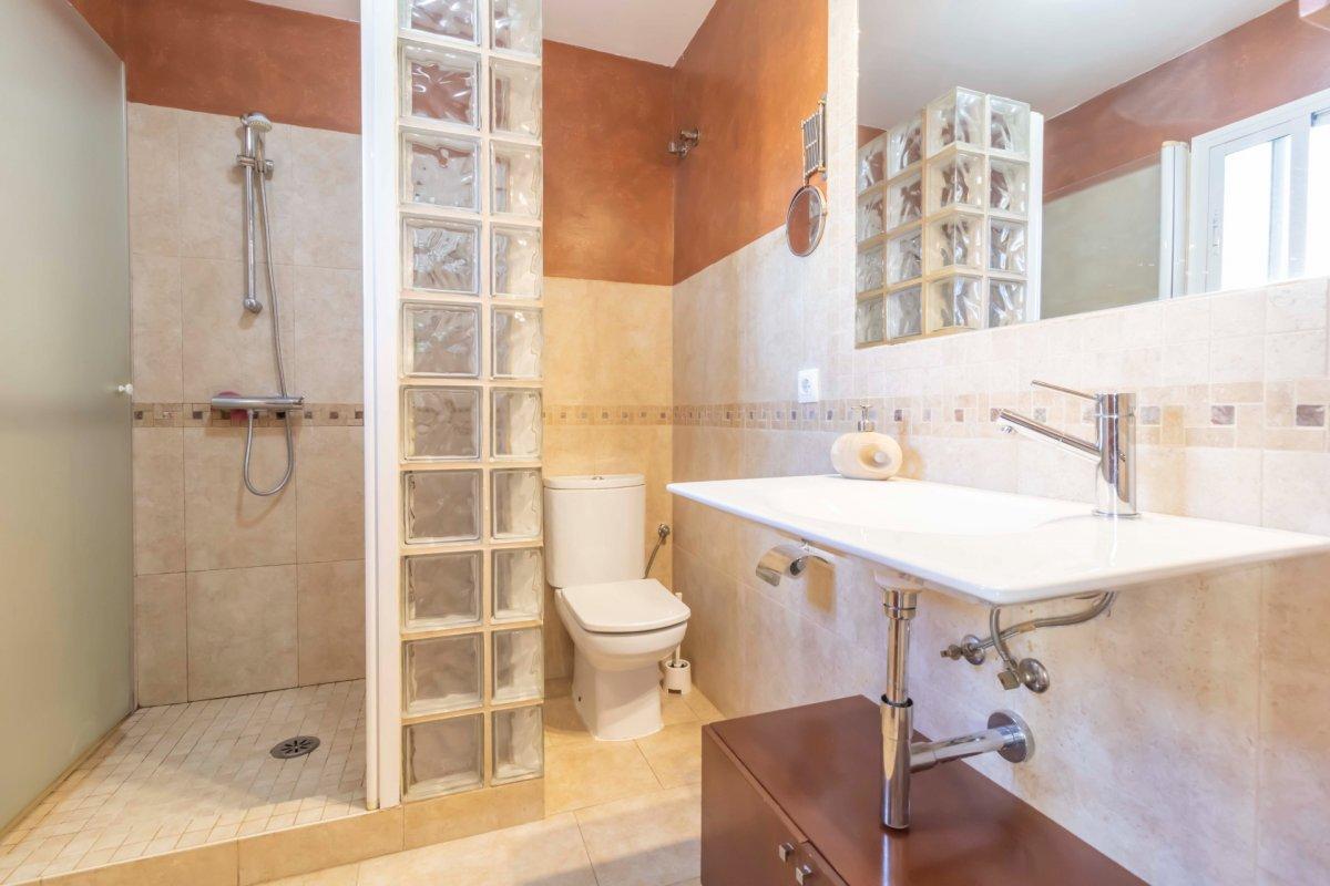 Casa adosada en urbanizaciÓn privada a la venta en valencina de la concepciÓn - imagenInmueble28